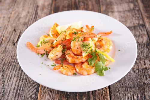 Fotobehang Schaaldieren fried shrimp with parsley