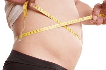 Mann mit dicken Bauch - Diät