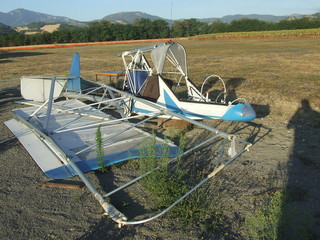 Rottame di aereo ultraleggero