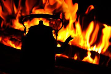Ateş ve çay..