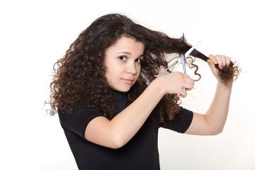 девочка с ножницами