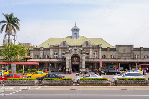 front view of hsinchu train station - 80727515
