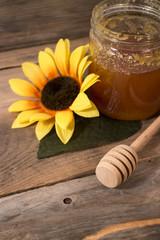 Sfondo miele su legno