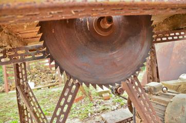 Mechanical saw