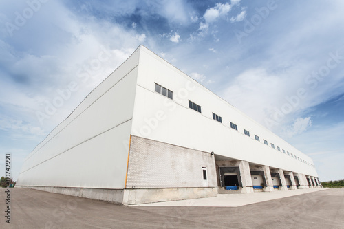 warehouse - 80742998
