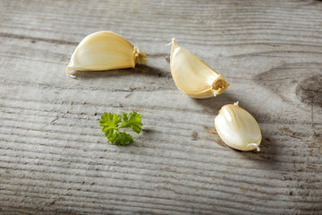 Garlic on wood