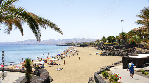 Leinwandbild Motiv Playa del Puerto del Carmen, Lanzarote, Islas Canarias