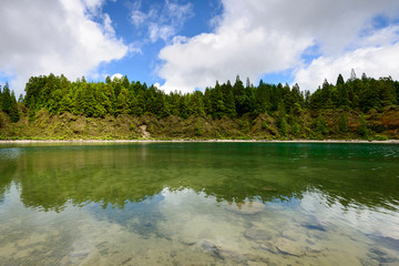 Paisagem natural de lago