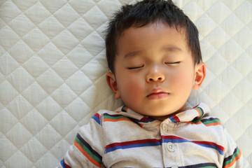 幼児(2歳児)の寝顔