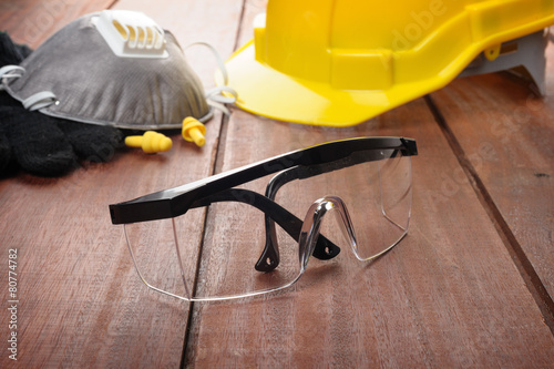 personal safety equipment - 80774782