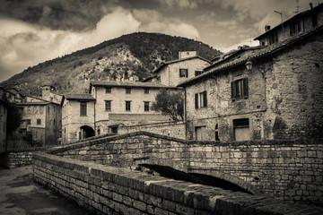 Quartiere di Gubbio in bianco e nero