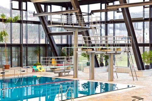 Schwimmbad - 80781548
