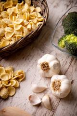 orecchiette e aglio