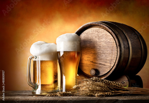 Foto op Canvas Bier / Cider Beer and barrel