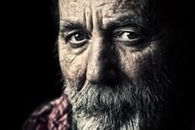 Bardzo stary starszy mężczyzna portret bezdomnych