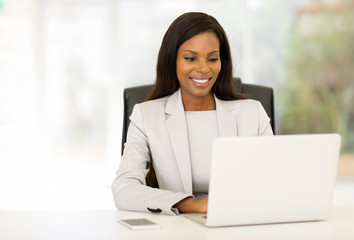 afro american businesswoman using computer