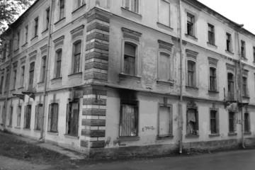 Abandoned building in Oranienbaum.