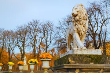 Lion sculture