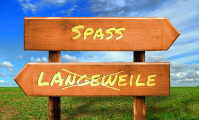 Strassenschild 33 - Spass
