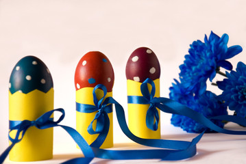 Decoration Easter eggs with blue flowers