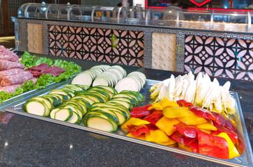 Buffet di verdure al ristorante asiatico