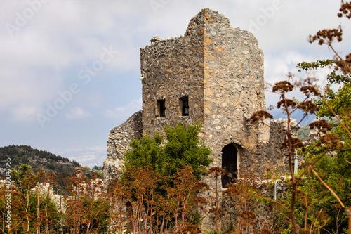 Papiers peints Ruine the ruins of a medieval castle Hilarion, Cyprus