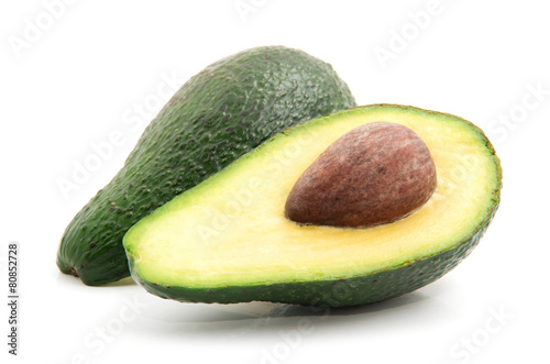Fotobehang Keuken Avocado isolated on white