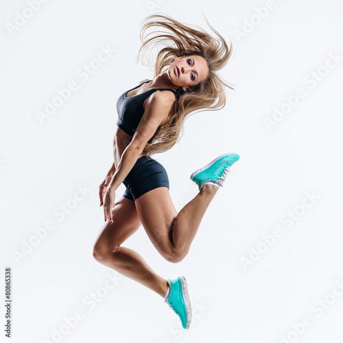 fitness woman - 80865338