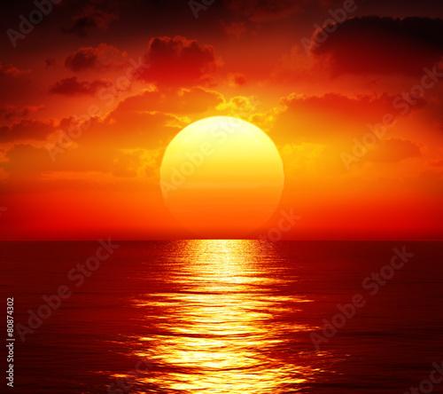 Foto op Plexiglas Water sunset over calm sea