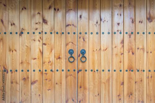 stare-zabytkowe-drzwi