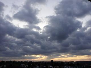 Mix aus Sonnenuntergang und Wolken
