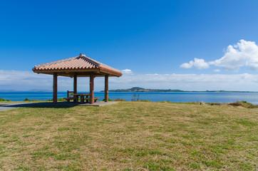 沖縄県 西表島 野原崎から見える小浜島