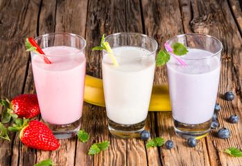 Fresh milk, strawberry, blueberry and banana drinks on wodeen ta