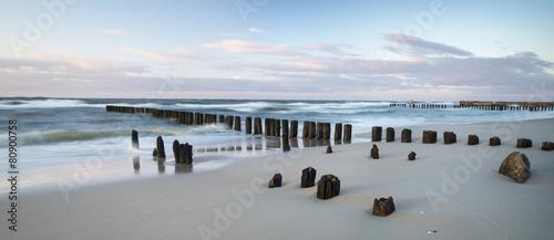 Foto op Plexiglas Water Falochrony nad morzem