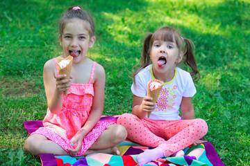 Kids girls friends children with ice cream