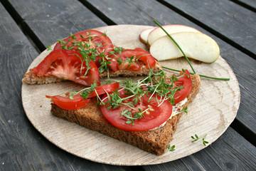 tomatenbrot rustikal bio biologisch vegane ernährung