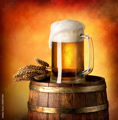 Fotobehang Bier / Cider Lager on barrel
