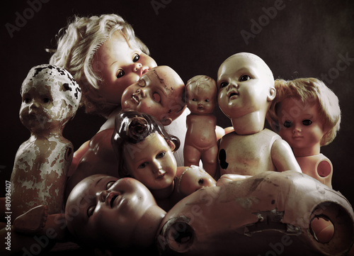 Creepy dolls - 80936107