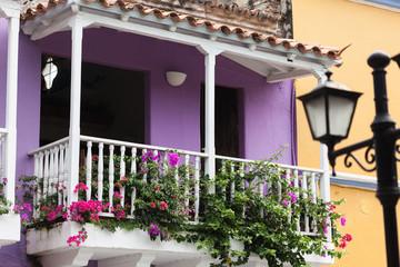 Balcón violeta