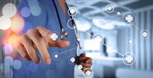 Leinwanddruck Bild smart medical doctor hand showing network with bokeh exposure as