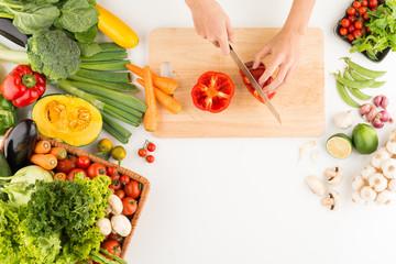 Cutting red pepper