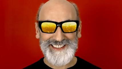 Hypnoglasses hide beer