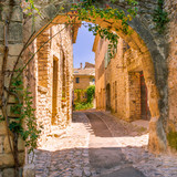 Old town in provence - 80966118