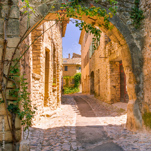Papiers peints Pays d Europe Old town in provence