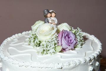 Statuette sulla torta