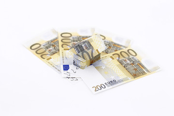 200 € Money with 200 Euro House