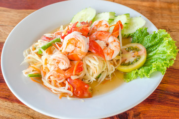 Green papaya salad (Som Tum) with shrimp