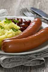 beans in tomato sauce, sausages, mashed potatoes