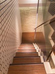 ビルの内階段