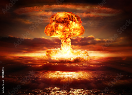 explosion nuclear bomb in ocean - 81049143